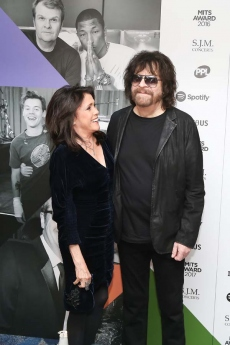 Camila Kath and Jeff Lynne 7176.jpg