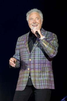 Sir Tom Jones 6659.jpg